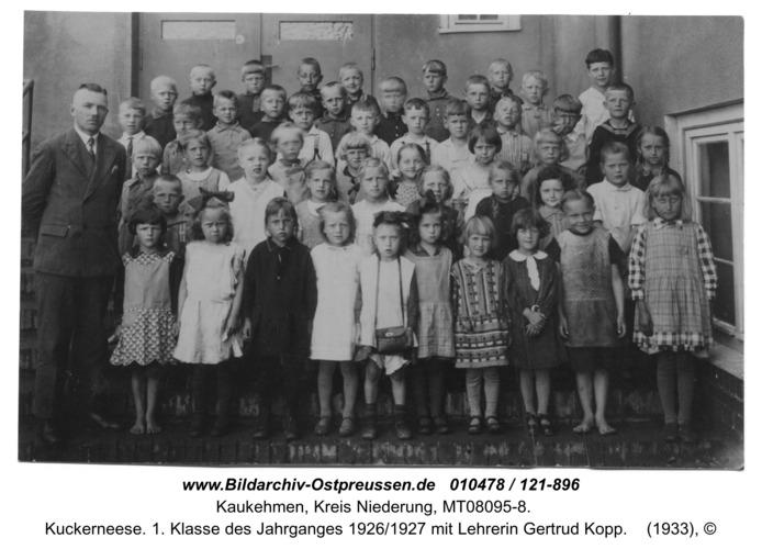 Kuckerneese. 1. Klasse des Jahrganges 1926/1927 mit Lehrerin Gertrud Kopp