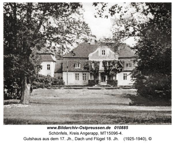 Schönfels fr. Eszerischken, Gutshaus aus dem 17. Jh., Dach und Flügel 18. Jh