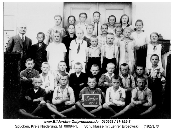 Stucken, Schulklasse mit Lehrer Brosowski