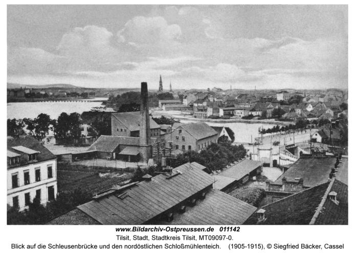 Tilsit, Blick auf die Schleusenbrücke und den nordöstlichen Schloßmühlenteich