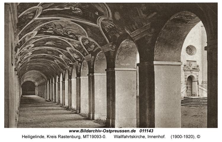 Heiligelinde, Wallfahrtskirche, Innenhof