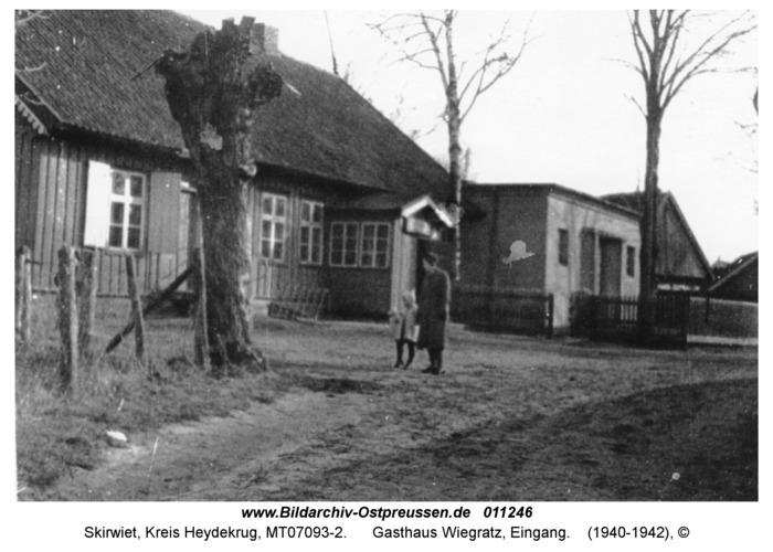 Skirwiet, Gasthaus Wiegratz, Eingang