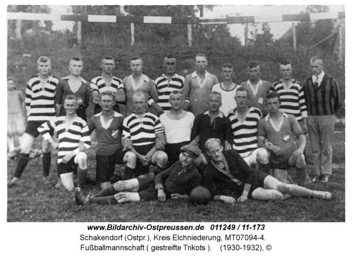 Schakendorf, Fußballmannschaft ( gestreifte Trikots )