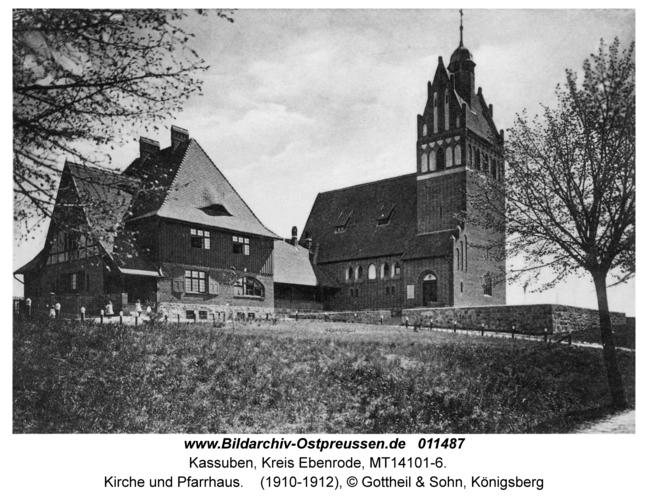 Kassuben, Kirche und Pfarrhaus