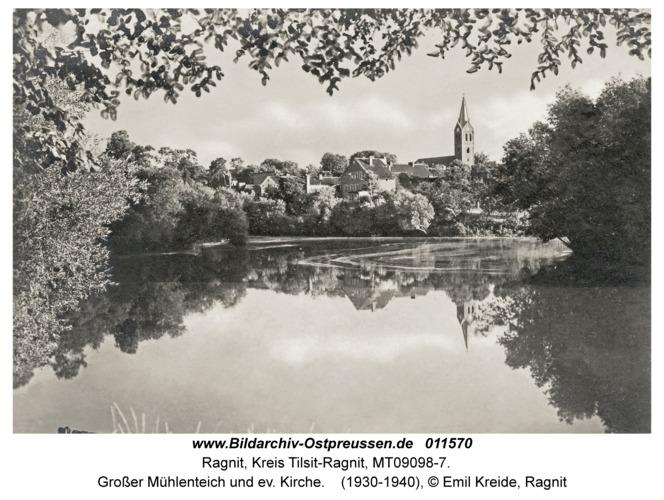 Ragnit, Großer Mühlenteich und ev. Kirche