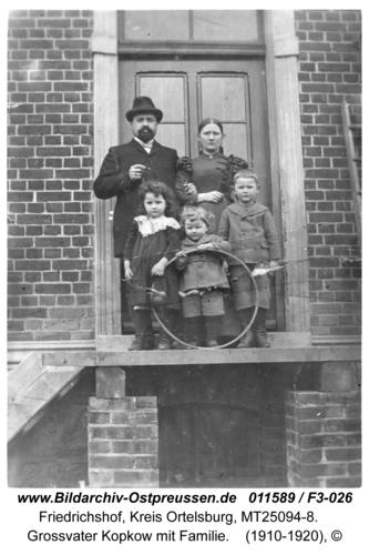 Friedrichshof, Großvater Kopkow mit Familie