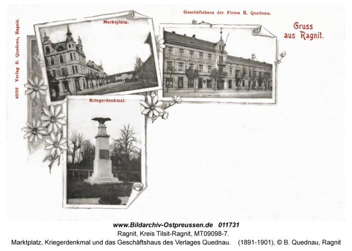 Ragnit, Marktplatz, Kriegerdenkmal und das Geschäftshaus des Verlages Quednau