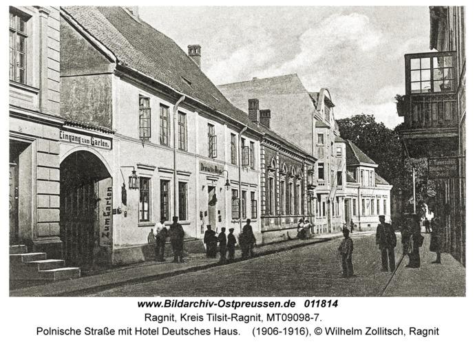 Ragnit, Polnische Straße mit Hotel Deutsches Haus