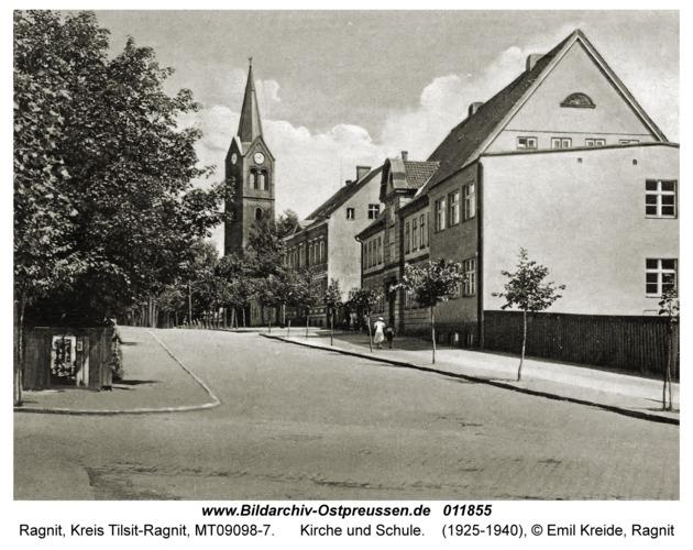 Ragnit, Kirche und Schule