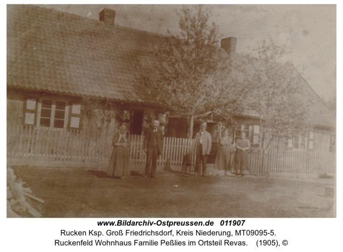 Ruckenfeld Wohnhaus Familie Peßlies im Ortsteil Revas