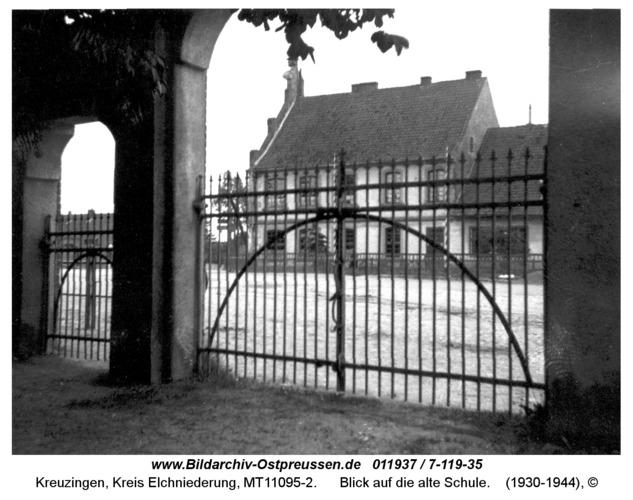 Kreuzingen, Blick auf die alte Schule