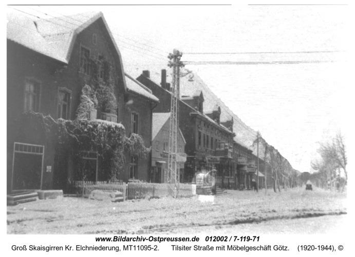 Kreuzingen, Tilsiter Straße mit Möbelgeschäft Götz