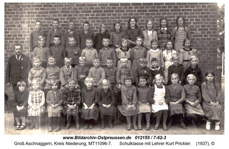 Grenzberg, Schulklasse mit Lehrer Kurt Prickler