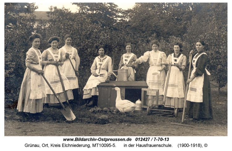 Grünau, in der Hausfrauenschule