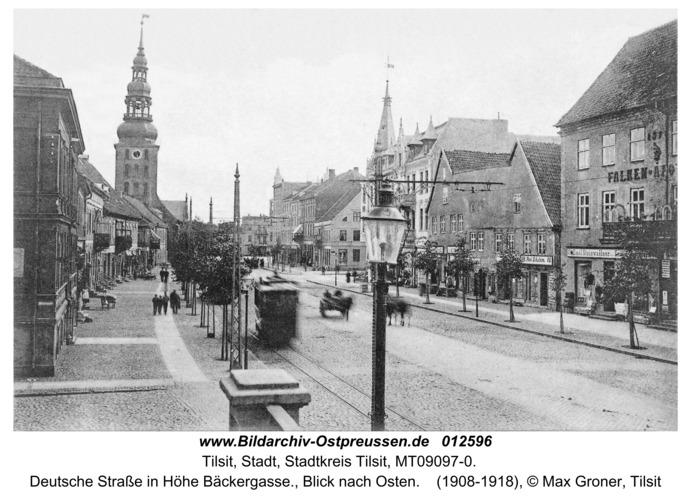 Tilsit, Deutsche Straße in Höhe Bäckergasse., Blick nach Osten