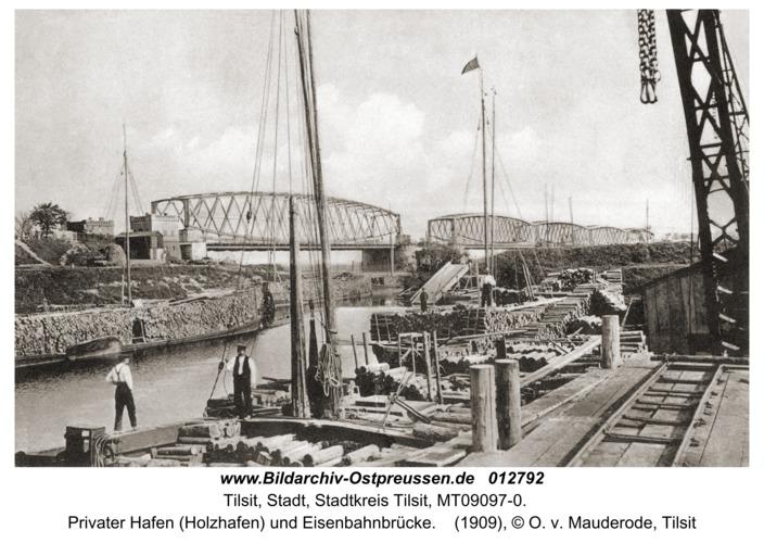 Tilsit, Privater Hafen (Holzhafen) und Eisenbahnbrücke