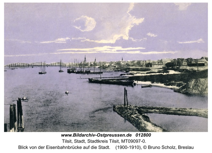 Tilsit, Blick von der Eisenbahnbrücke auf die Stadt