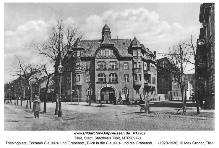 Tilsit, Thesingplatz, Eckhaus Clausius- und Grabenstr., Blick in die Clausius- und die Grabenstr.