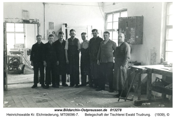 Heinrichswalde, Belegschaft der Tischlerei Ewald Trudrung