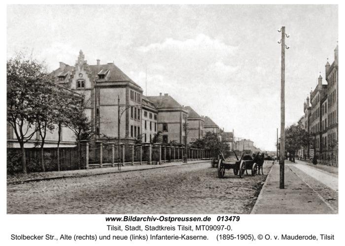 Tilsit, Stolbecker Str., Alte (rechts) und neue (links) Infanterie-Kaserne
