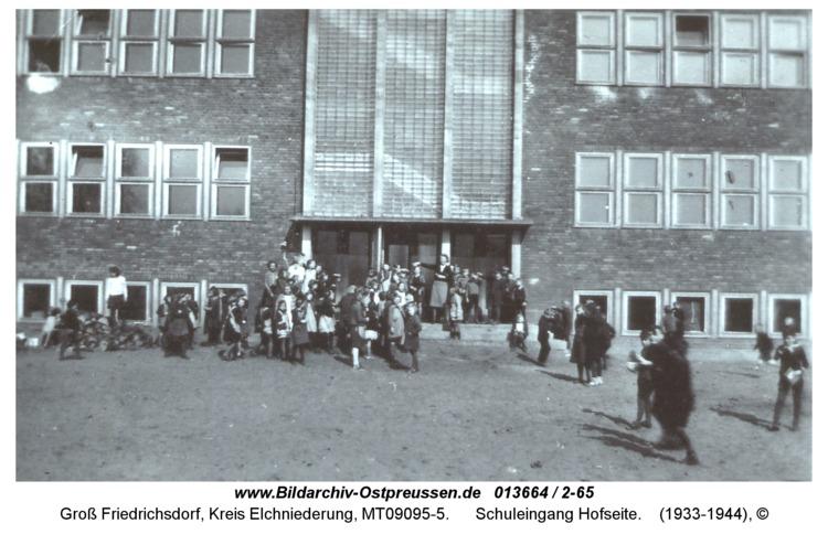 Groß Friedrichsdorf, Schuleingang Hofseite