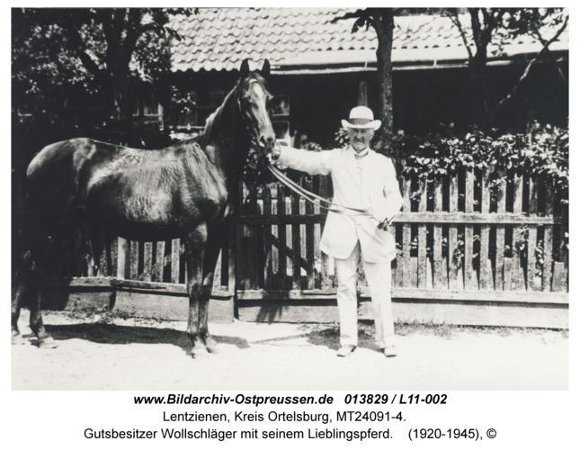 Lentzienen, Gutsbesitzer Wollschläger mit seinem Lieblingspferd