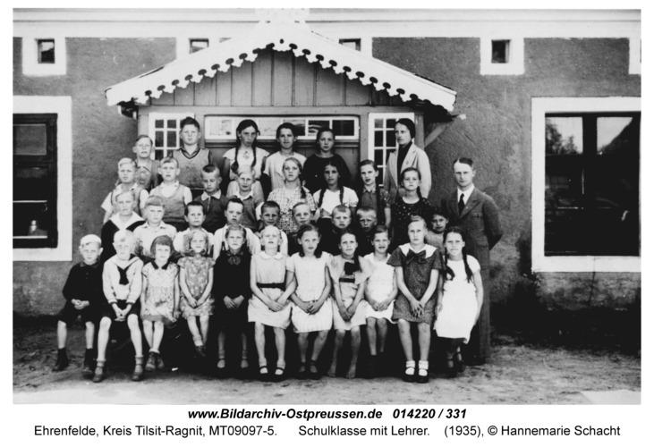 Ehrenfelde, Schulklasse mit Lehrer