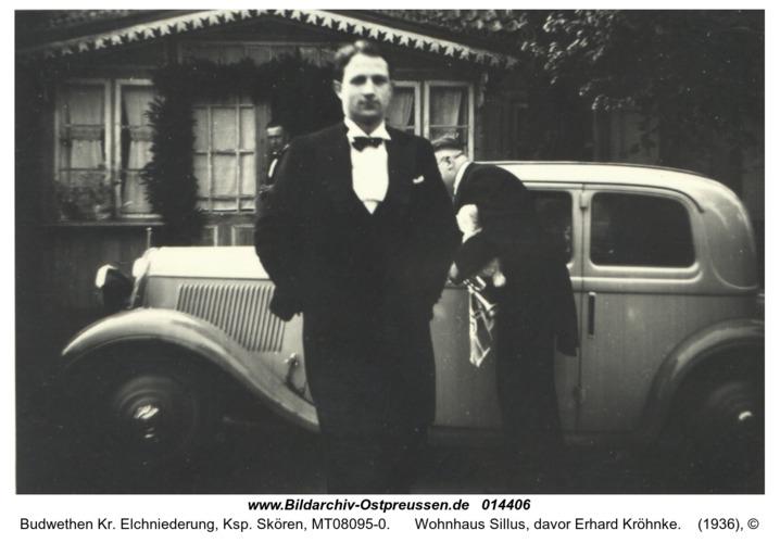 Budwethen Kr. Elchniederung, Ksp. Skören, Wohnhaus Sillus, davor Erhard Kröhnke