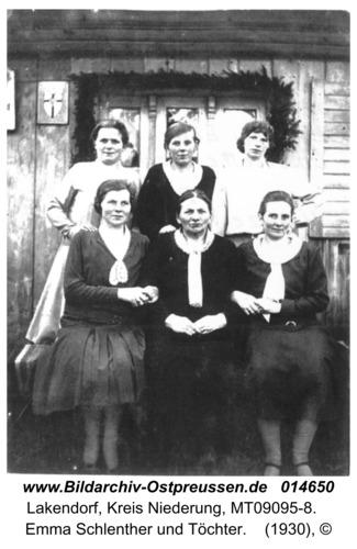 Lakendorf, Emma Schlenther und Töchter