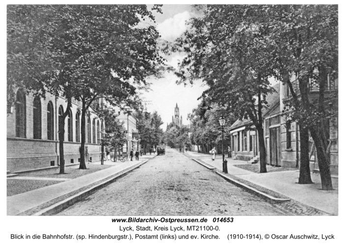 Lyck, Blick in die Bahnhofstr. (sp. Hindenburgstr.), Postamt (links) und ev. Kirche