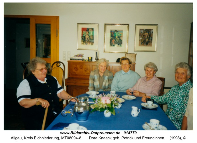 Allgau, Dora Knaack geb. Petrick und Freundinnen