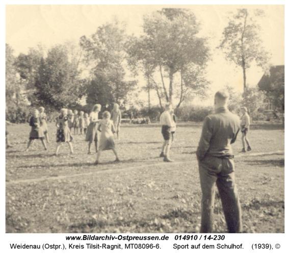 Weidenau, Sport auf dem Schulhof