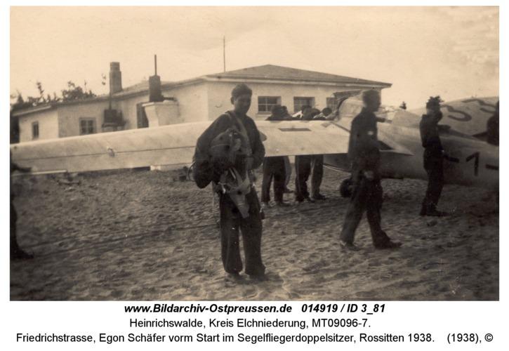 Heinrichswalde, Friedrichstraße, Egon Schäfer vorm Start im Segelfliegerdoppelsitzer, Rossitten 1938