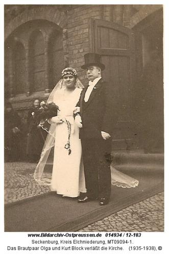 Seckenburg, Das Brautpaar Olga und Kurt Block verläßt die Kirche