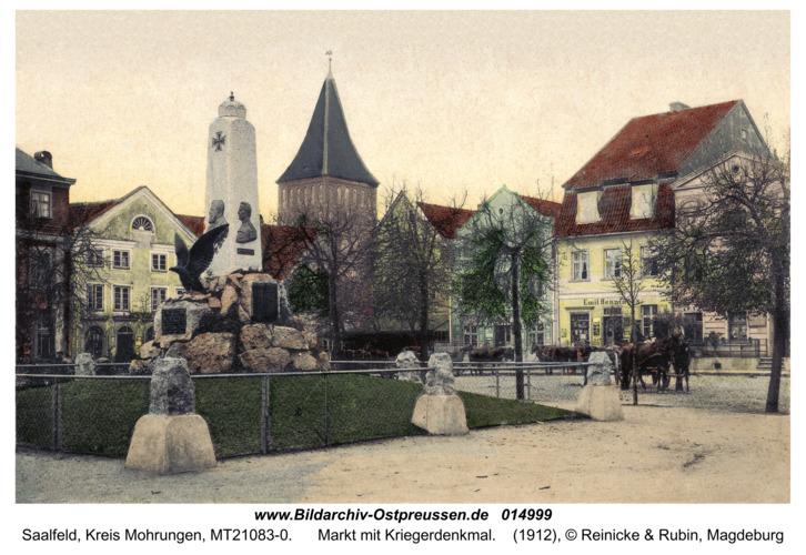 Saalfeld, Markt mit Kriegerdenkmal