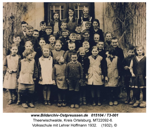 Theerwischwalde, Volksschule mit Lehrer Hoffmann 1932