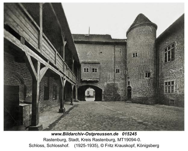 Rastenburg, Schloss, Schlosshof