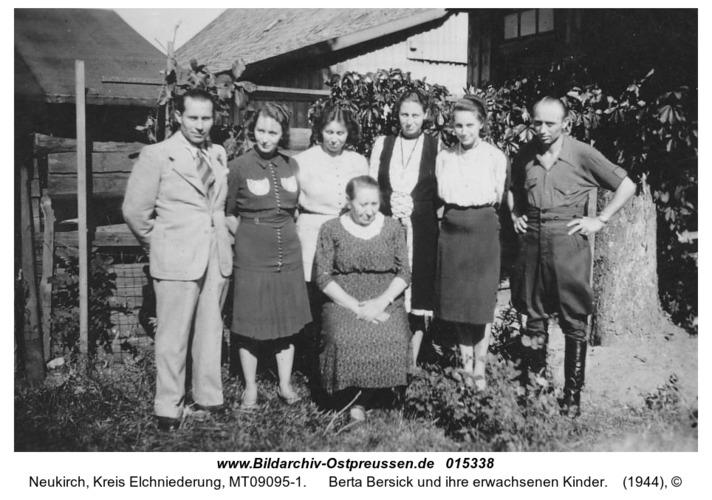 Neukirch, Berta Bersick und ihre erwachsenen Kinder