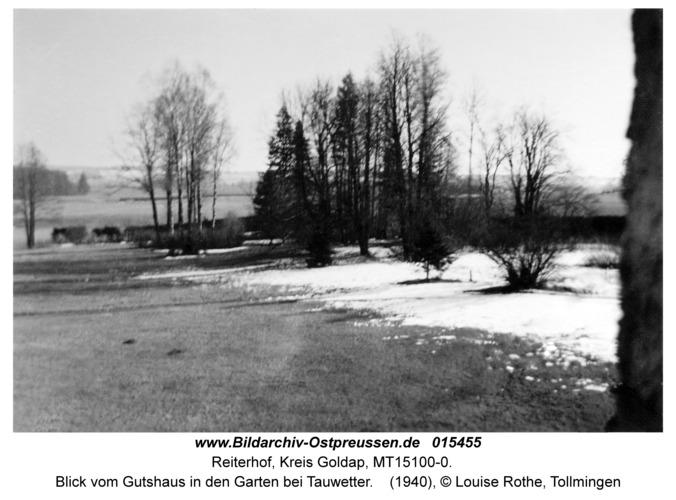 Reiterhof, Blick vom Gutshaus in den Garten bei Tauwetter