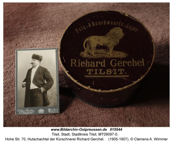 Tilsit, Hohe Str. 70, Hutschachtel der Kürschnerei Richard Gerchel