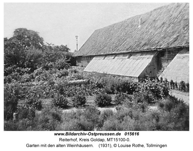 Reiterhof, Garten mit den alten Weinhäusern
