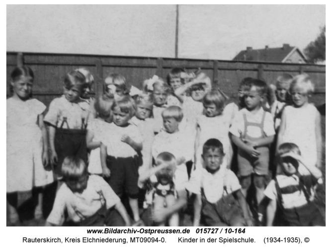 Rauterskirch, Kinder in der Spielschule
