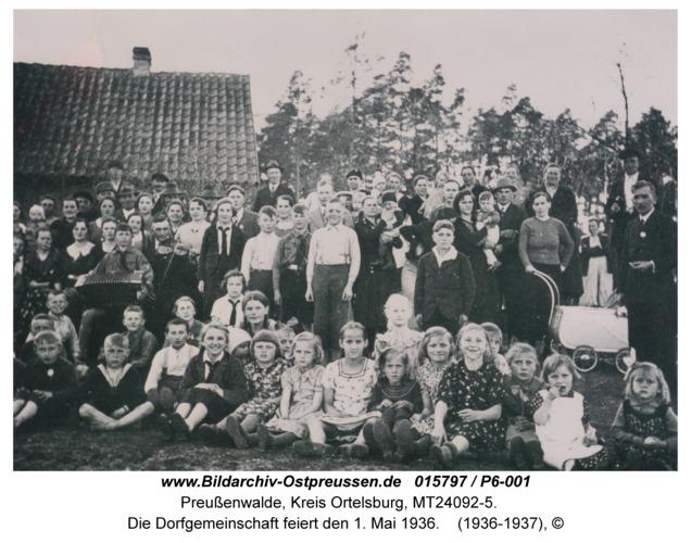 Preußenwalde, Die Dorfgemeinschaft feiert den 1. Mai 1936