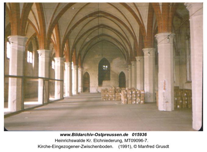Heinrichswalde, Kirche-Eingezogener-Zwischenboden