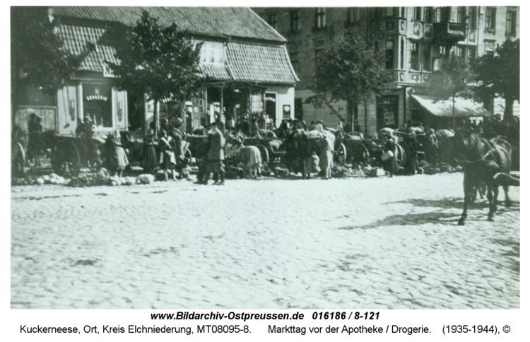 Kuckerneese, Markttag vor der Apotheke / Drogerie