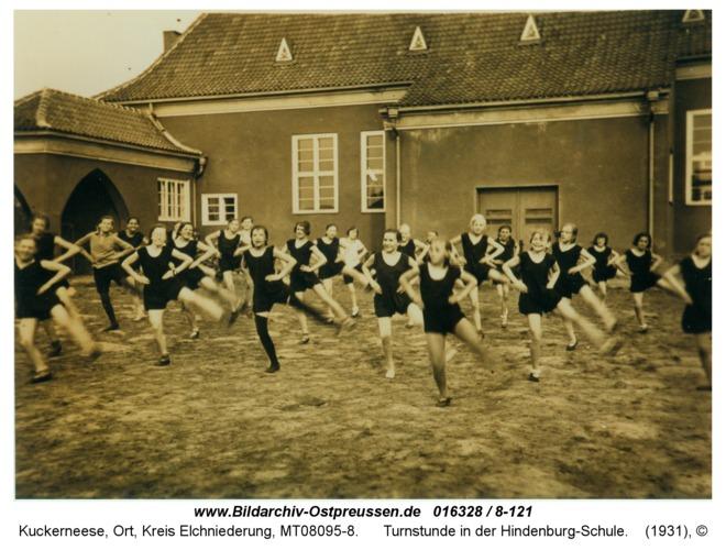 Kuckerneese, Turnstunde in der Hindenburg-Schule