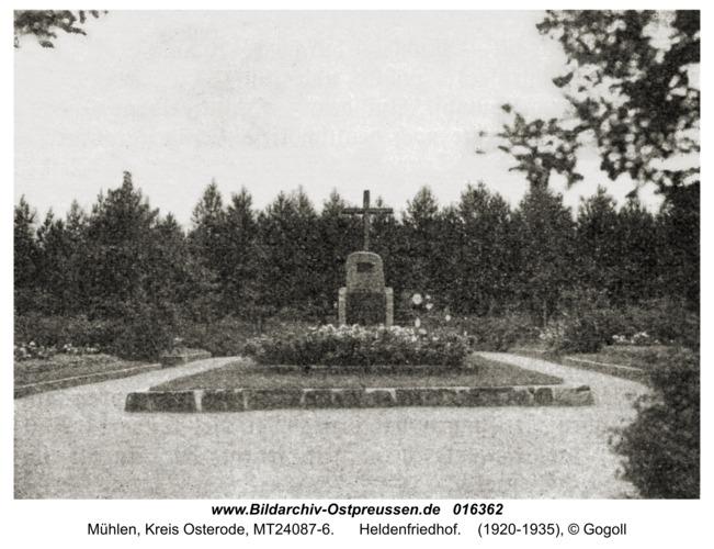 Mühlen, Heldenfriedhof