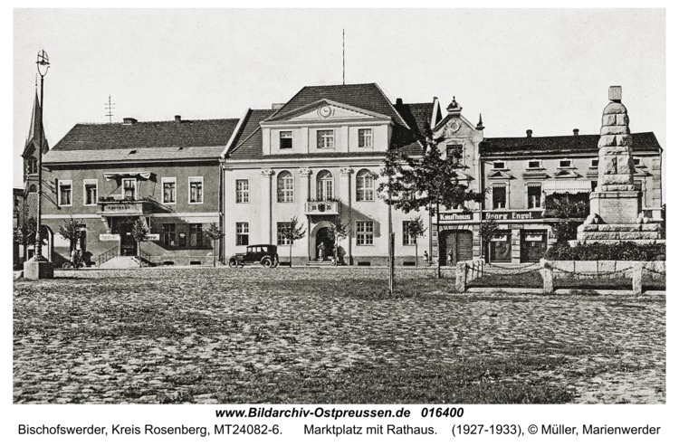 Bischofswerder, Marktplatz mit Rathaus
