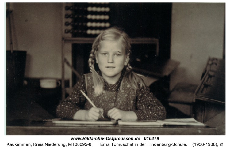 Kuckerneese, Erna Tomuschat in der Hindenburg-Schule