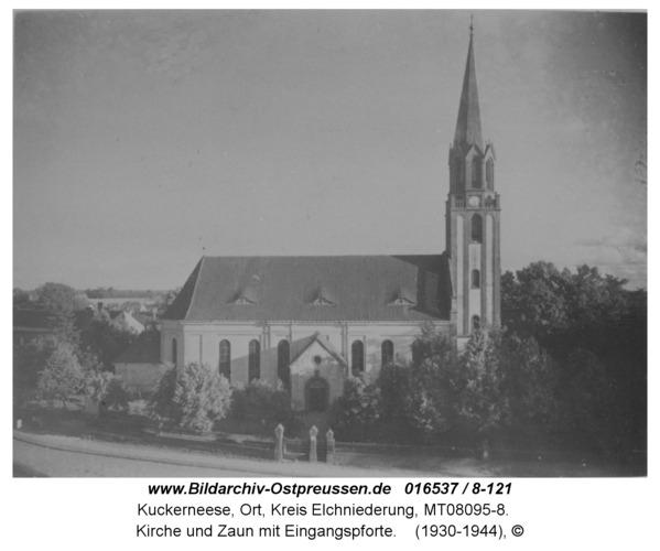 Kuckerneese, Kirche und Zaun mit Eingangspforte